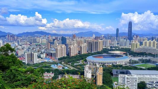 深圳对不做产业做物业的总部企业制定了罚金回购等惩罚措施