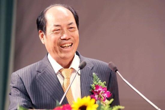 杨国强表示今天很高兴 感谢各位股东能够前来