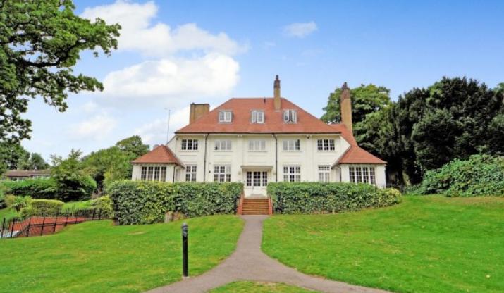 英国房价持续低迷 但到今年年底它们的股价仍将比开始时高出2%
