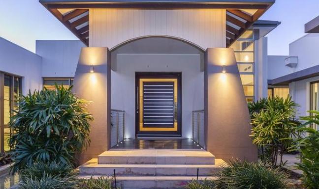 黄金海岸海滨度假村以600万美元的价格进入市场