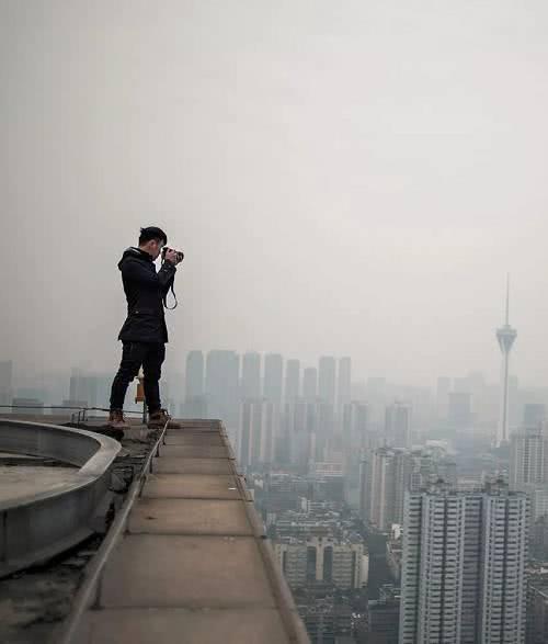 中国房地产正面临日益严峻的市场风险
