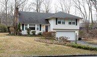 一个普通的房子拥有3946平方米的区域内的私人位置