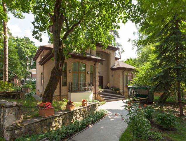 在莫斯科 你可以买一间私人房子