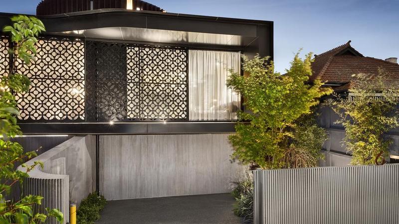 Elwood home酒店提供乡村氛围和一个令人愉悦的屋顶露台