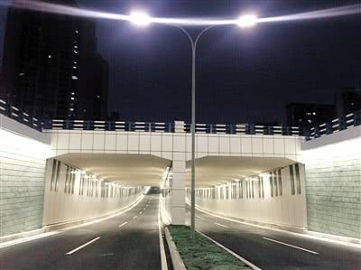 两江新区的新南立交下穿道已经全面竣工