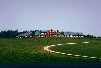 包括Ark Cafe在内的Norah Head房产上市应超过100万美元