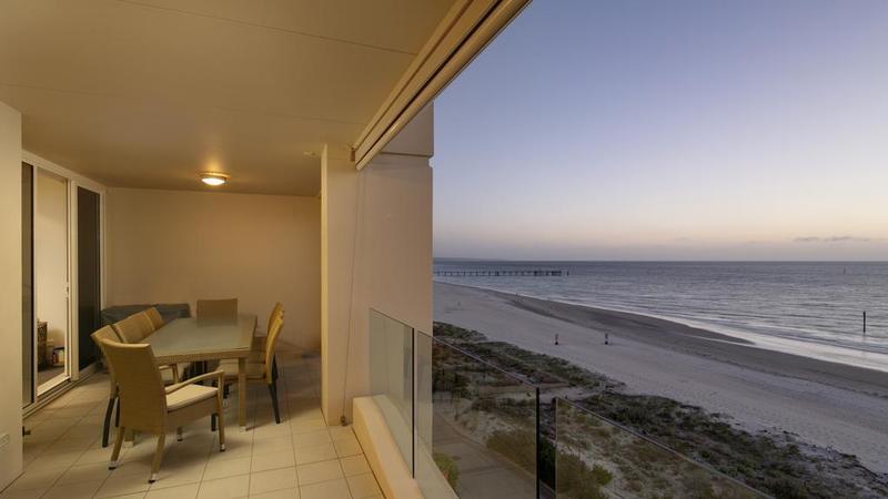 Glenelg的海滨住宅享有海景和风格
