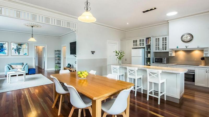 翻新的Geelong West房屋在拍卖前售价为$ 830,000