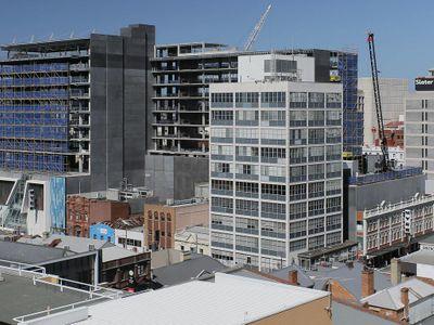 物业委员会抨击建筑物高度限制的决定