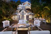 550万美元的房子的每个房间都有壮丽的景色