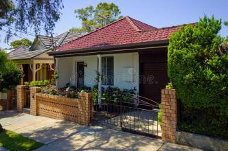 一个1910年的房子已经进行了一生的翻新