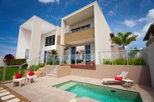 房地产专家购买了美人鱼海滩的住宅