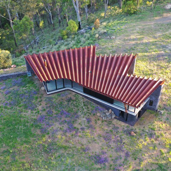 在新南威尔士州与昆士兰州的边界 一个令人难以置信的小房子吸引关注