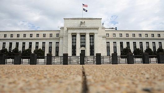 美联储在利率上升时停滞不前
