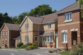 随着住房短缺的加剧住房建筑商的情绪略有上升