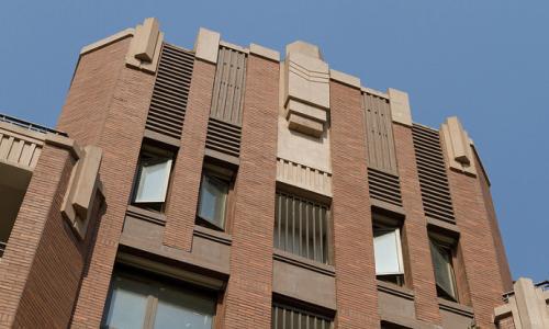 建筑工人的巨额短缺严重打击了住宅建筑商