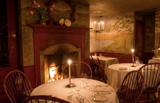 烛光下的美食和在新英格兰隐藏角落里的优雅住宿