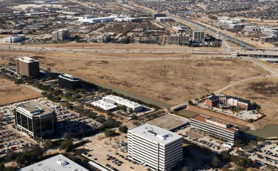 达拉斯牛仔队的老板杰里·琼斯的房地产公司正在建设欧文混合用途项目