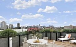 圣基尔达顶层公寓设有令人难以置信的屋顶露台