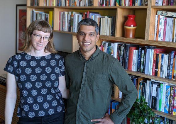墨尔本有两位获奖作家正在出售他们在科堡的两居室公寓