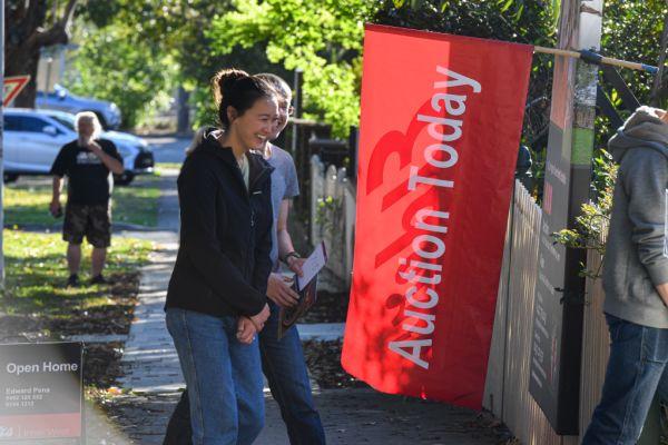 在放宽限制之前代理商急于将悉尼住宅拍卖从在线拍卖转换为现场拍卖