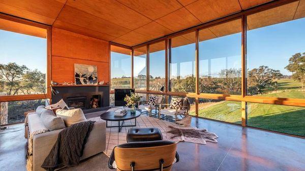 Stone stunner住宅创造了该地区的新销售记录