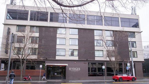 卡尔顿斯旺斯顿里吉斯酒店即将投放市场