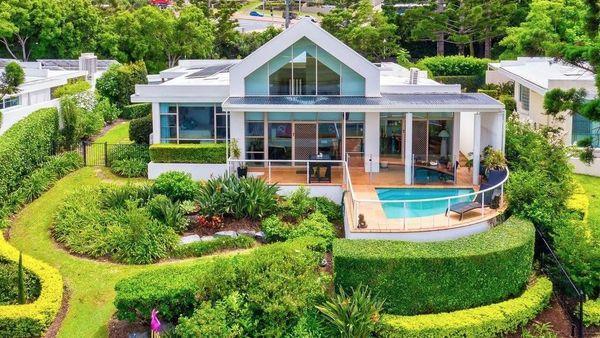 黄金海岸有五处房产吸引了人们前来拍卖