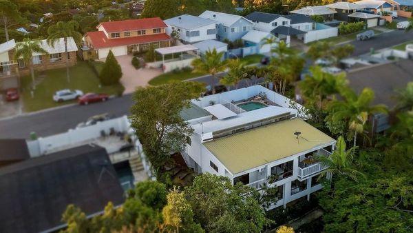 黄金海岸一栋30年历史的房子的报价远高于要价