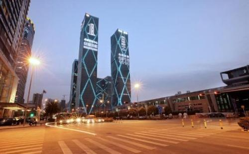深圳市皇庭投资管理有限公司冻结120,435,606股股份