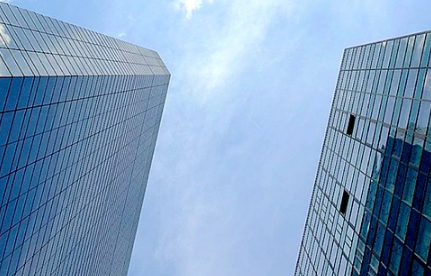 融创已将上海香溢花城项目中一幢商业物业打折出售给黑石
