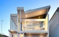 悉尼天鹅联合队长卢克帕克在拍卖会上出售了马拉巴尔的房产