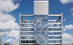 尔湾公司在三座环塔中租赁了144,000平方英尺的土地