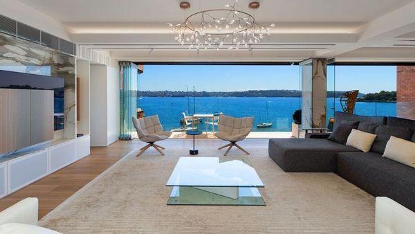 史蒂夫·纳斯特斯基列出1100万美元的达令角公寓