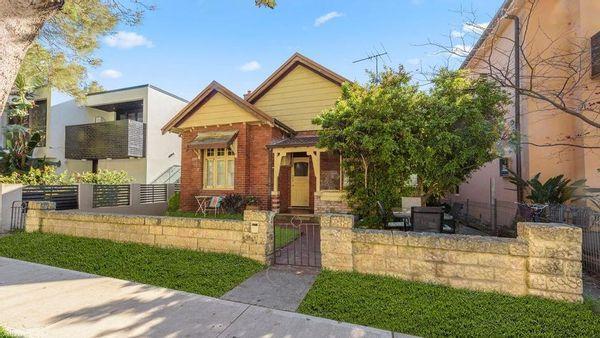 Sutherland Shire的祖母以496万美元的价格拍卖Bondi Beach住宅